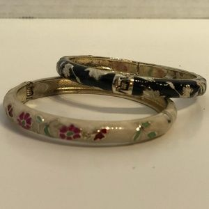 Accessories - *FREE WITH $25+ PURCHASE* Floral Bracelets